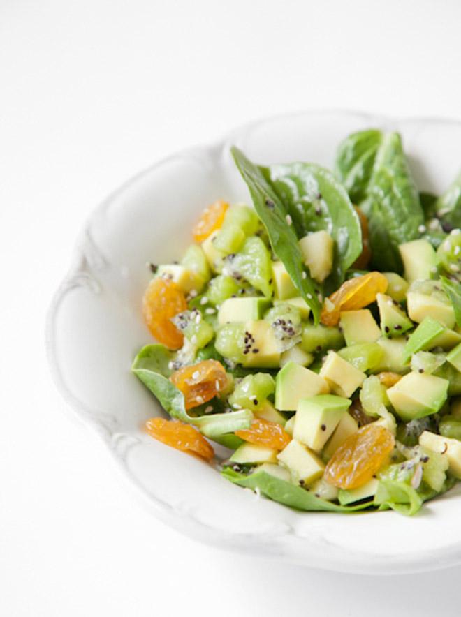 bitedelite-salatka-szpinak-kiwi-awokado-013