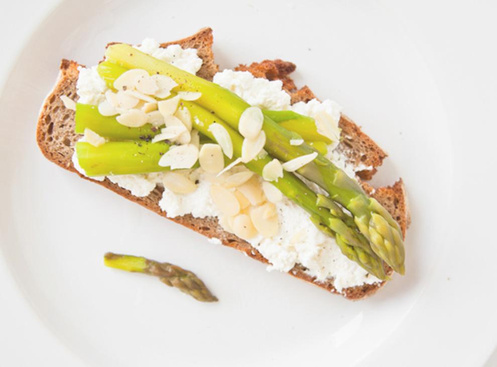 BiteDelite-kanapka-ze-szparagami-9519