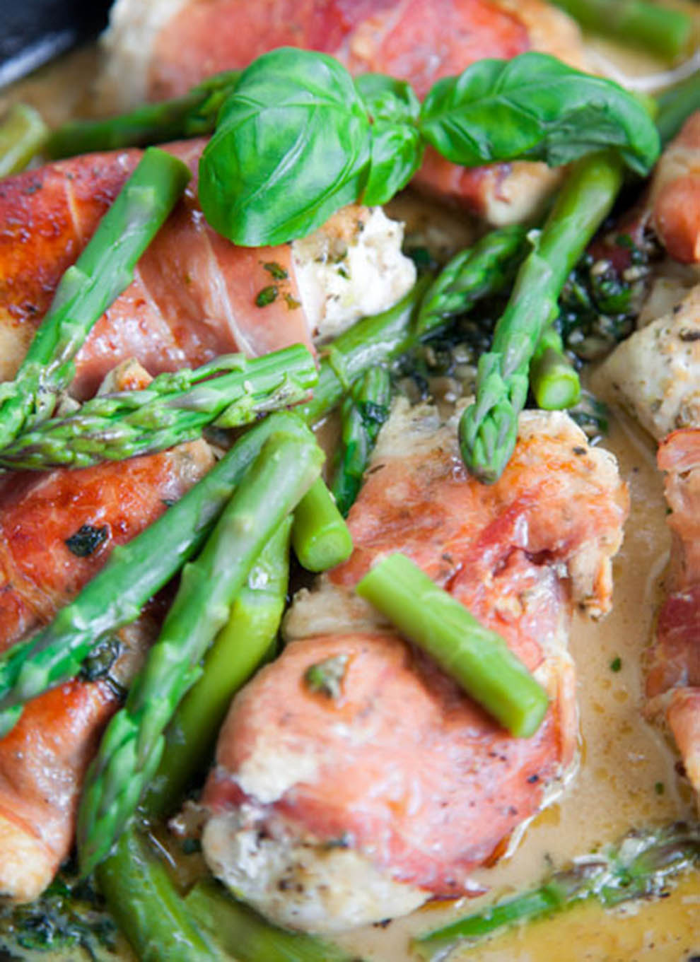 BiteDelite-kurczak-w-szynce-parmenskiej-ze-szparagami-5462