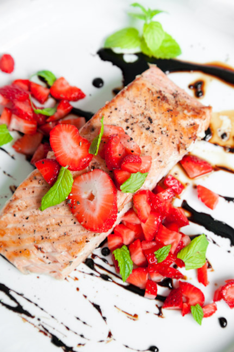 BiteDelite-losos-z-truskawkami-w-balsamicznym-sosie-5309