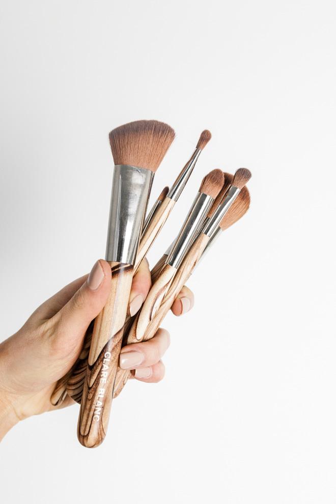 BITEDELITE-clare-blanc-brushes-8027